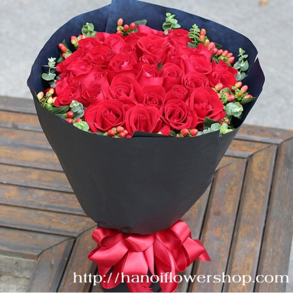 Bouquet of red roses foe Valentines day
